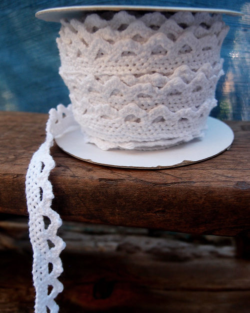 "White Crochet Cotton Lace Ribbon 1/2"" x 10 Yards"