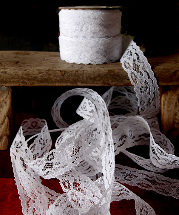 "1"" x 25 Yard White Floral Lace Ribbon"