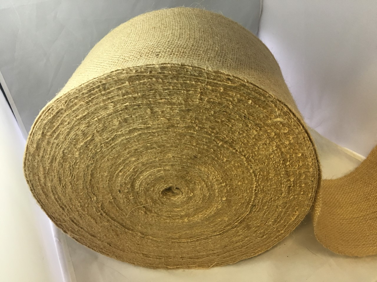 "4"" Premium Burlap Roll 100 Yards Sewn Edges"