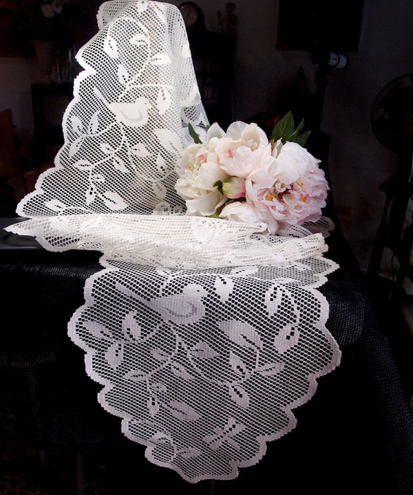 "Lace Ribbon with Birds 13"" x 96"""