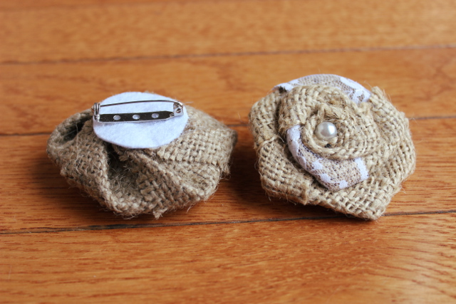 Burlap Brooch with Lace (12 Pack)