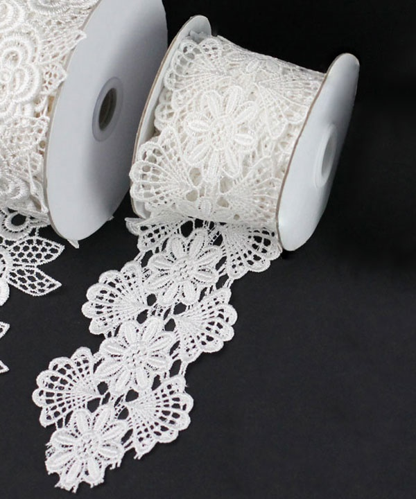 "2-3/4"" Ivory Floral Lace - 5 Yards"