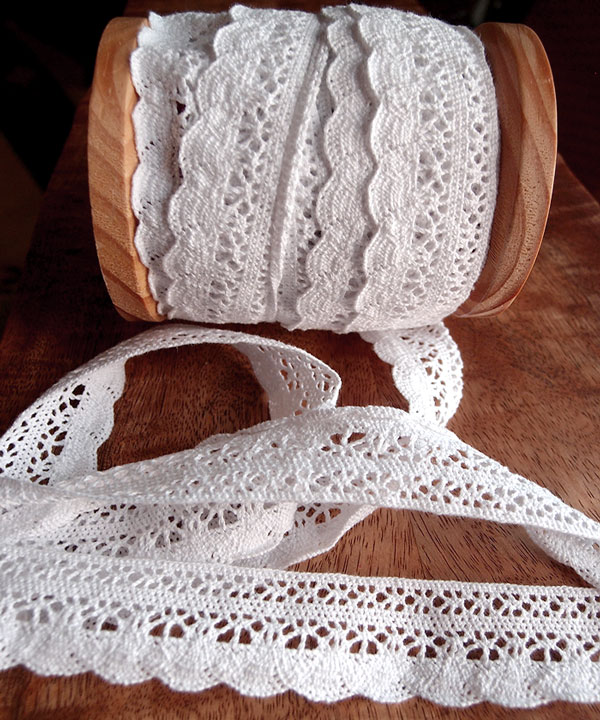 "1 1/3"" x 10 Yd White Crochet Ribbon"
