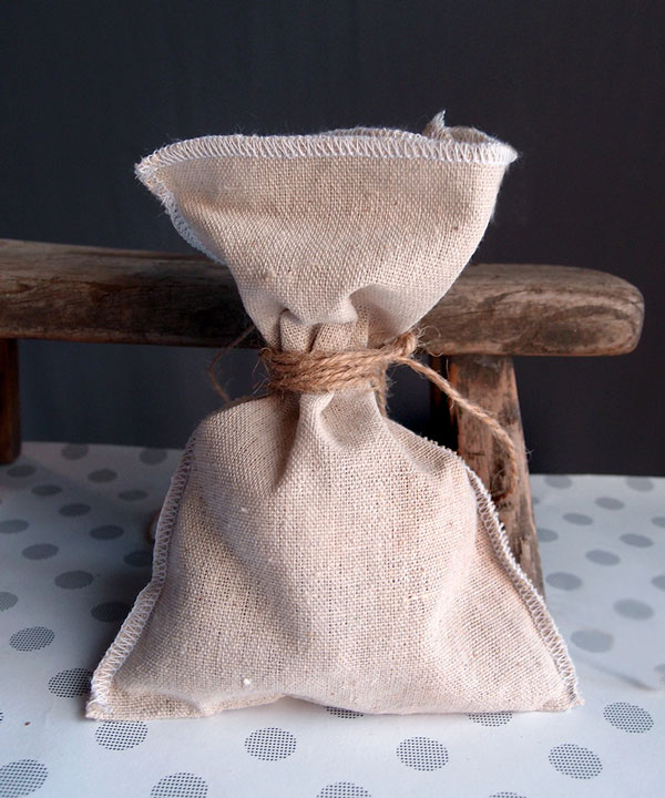 "5"" x 7.5"" Linen Pouch Bags with White Serged Edges (12 Pack)"