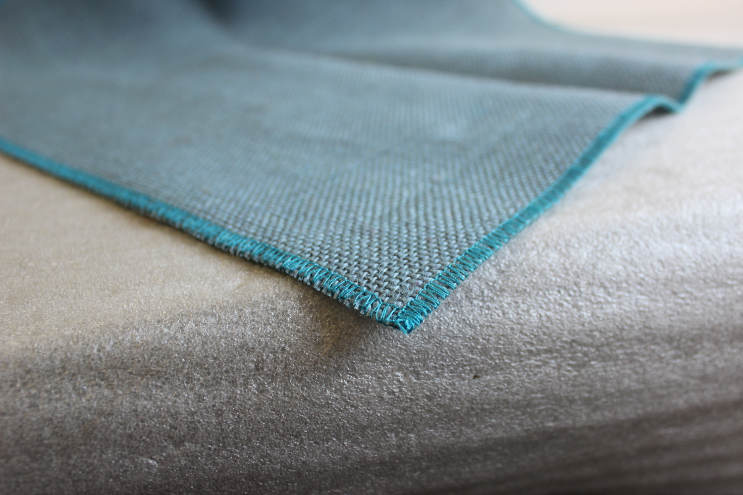 Colored Napkins -Light Blue with Turquoise Edge