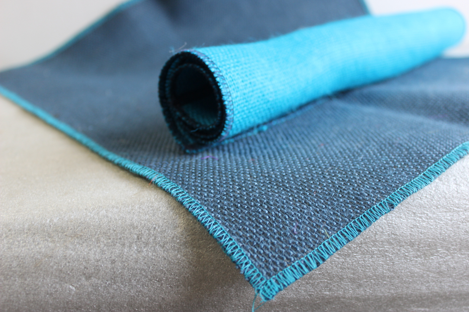 Set of Navy Runner Turquoise Edge w/ 4 Contrasting Napkins