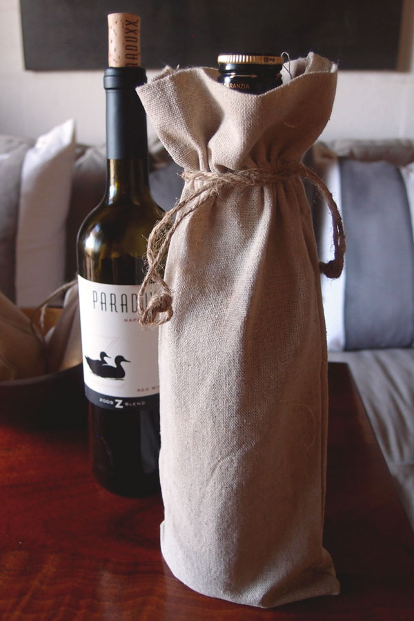 "6"" x 14"" Linen Wine Bag with Jute Draw (dozen)"