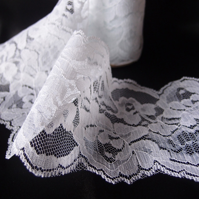 "4"" x 10 Yd White Lace Ribbon"
