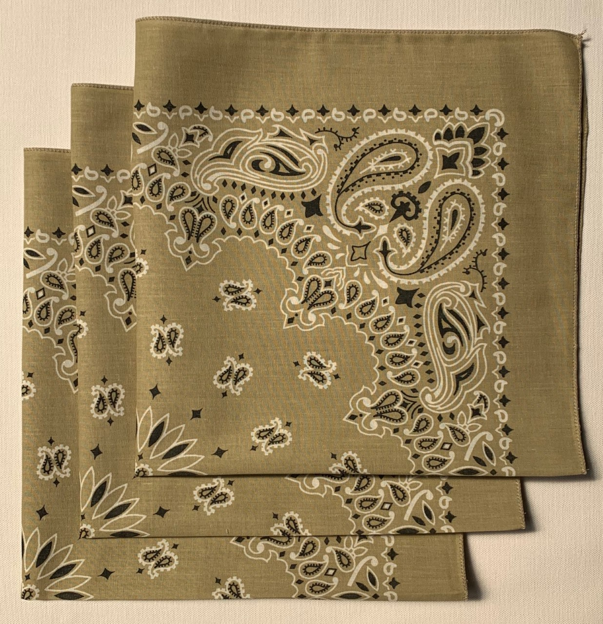 "Beige Paisley Bandanas - Made In The USA (3 Pk) 22"" x 22"""