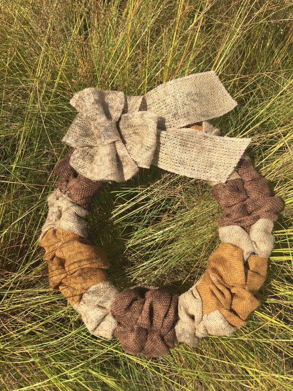 Burlap Wreath - Idaho Brown Natural W/ Natural Ribbon
