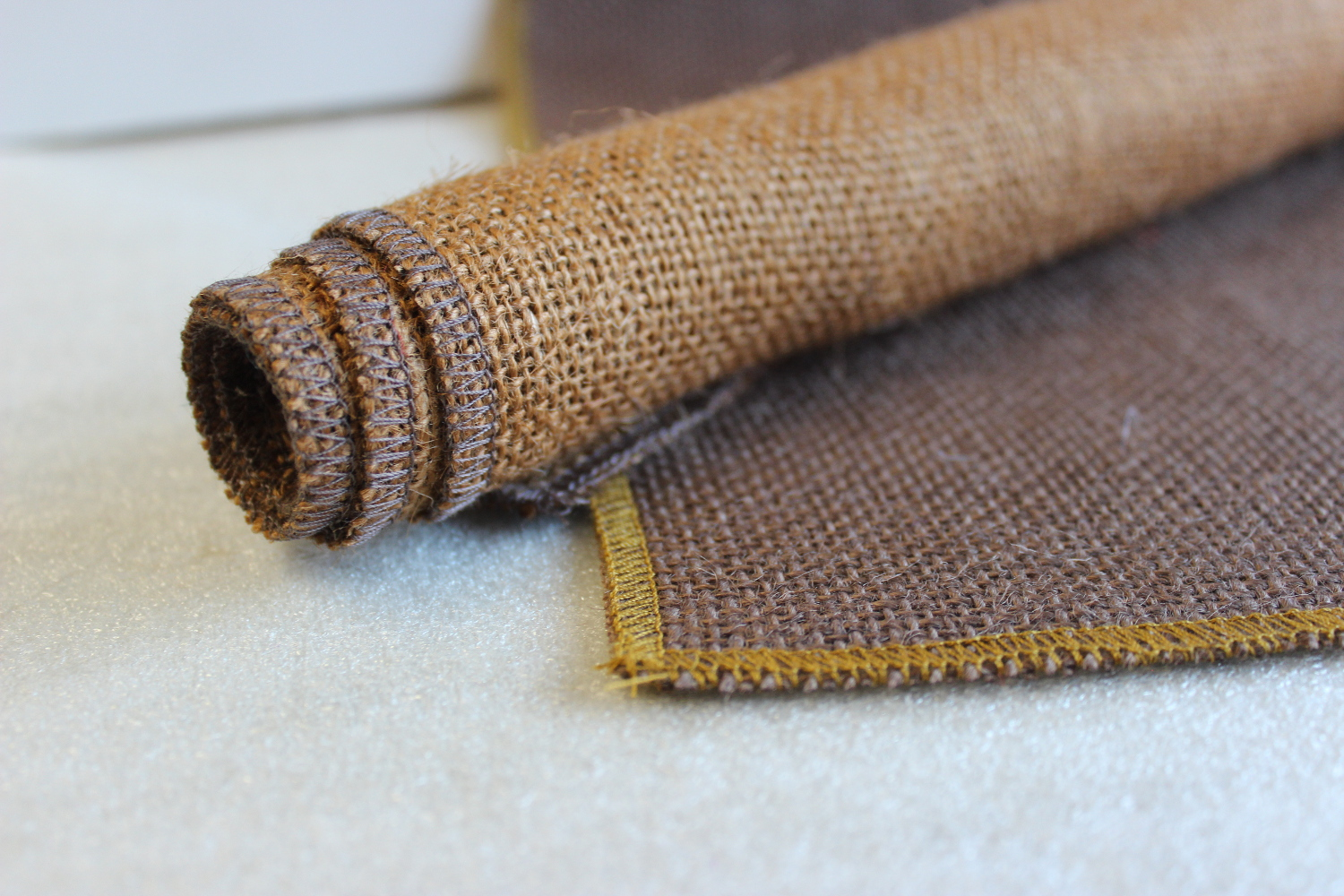 Set of Brown Runner Idaho Edge w/ 4 Contrasting Napkins