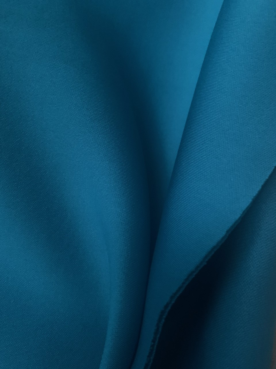 "58/60"" Turquoise Neoprene Scuba Fabric BTY 90% Poly 10% Spandex"